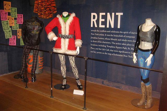 rent-costumes