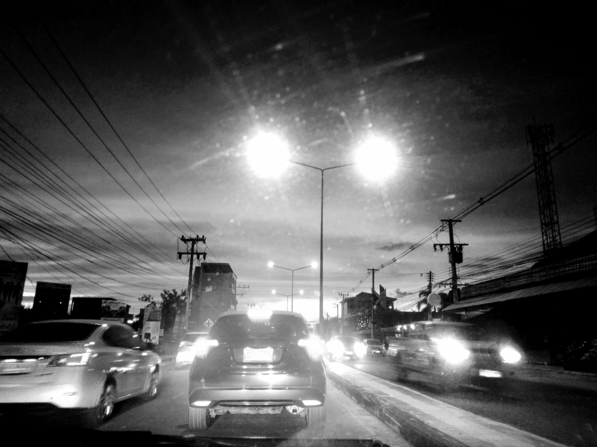 night-driving-black-and-white